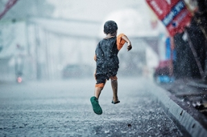 big_running_in_the_rain